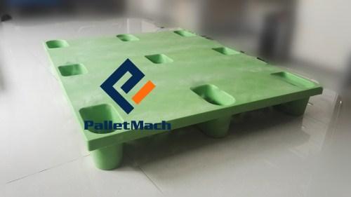 molded plastic pallet