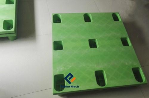 moulded plastic pallets